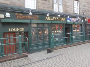 Aulay's Bar,Exterior-Oban-Where To Eat-Pubs And Bars-Scotland