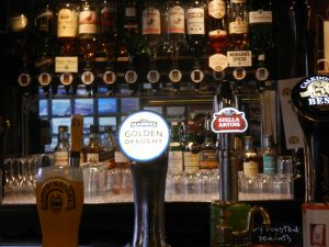 Aulay's Bar,Full Bar-Oban-Where To Eat-Pubs And Bars-Scotland