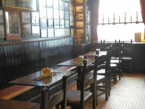 Aulay's Bar,Seating-Oban-Where To Eat-Pubs And Bars-Scotland