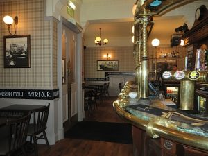 The Lorne Bar,Traditionally Scottish-Oban-Where To Eat-Pubs & Bars-Scotland