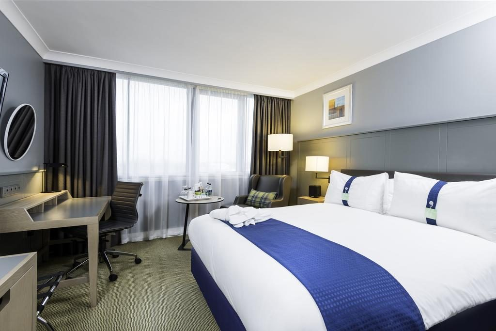 Holiday Inn Glasgow Airport, Accommodation and where to stay, Hotels, Glasgow nr Oban Scotland