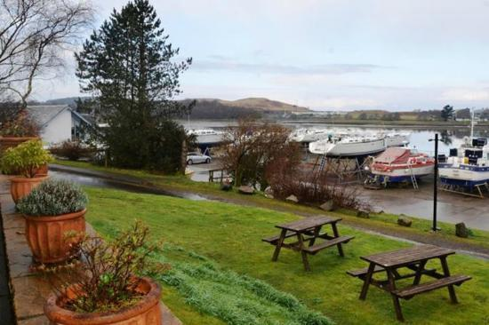 Wide mouthed Frog, Accommodation and where to stay, Hotels, Oban, Scotland