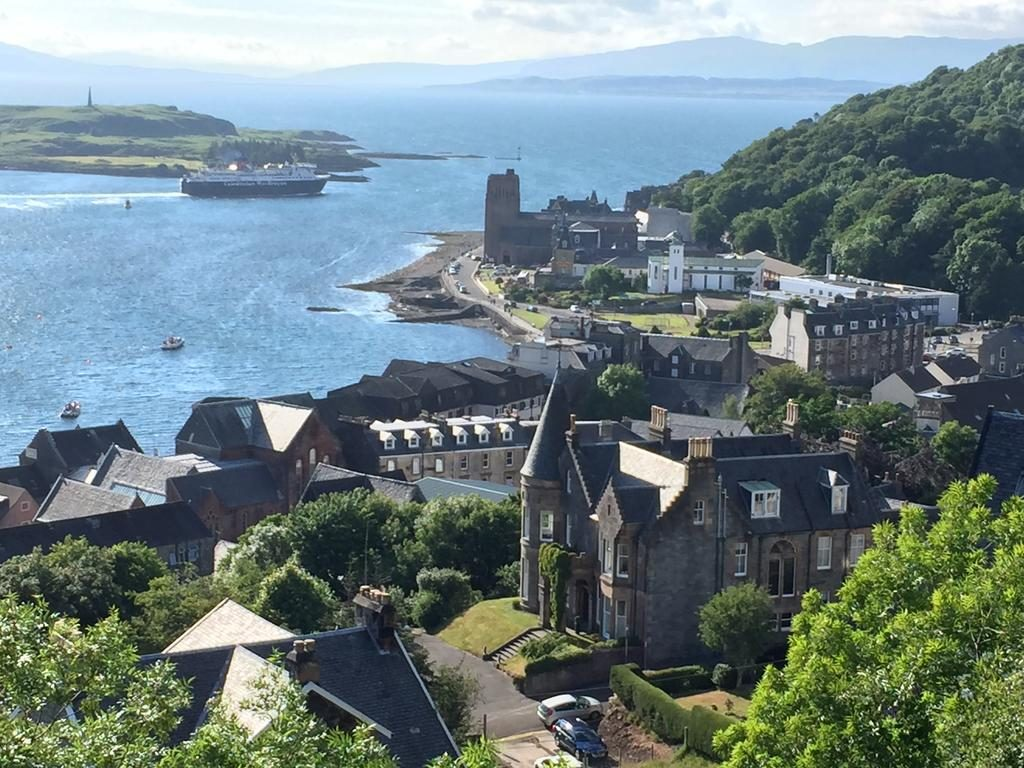 Esplanade Apartment , Accommodation and where to stay, Self Catering, Oban, Scotland